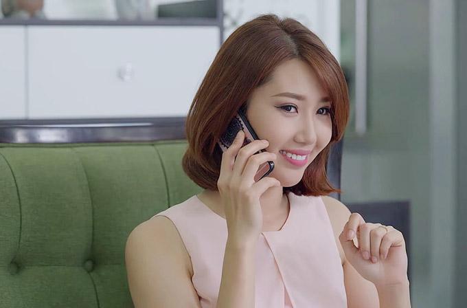 Lê Huỳnh Thúy Ngân hóa thân vào vai Hân, cô con gái thứ hai của bà Mai. Nhân vật này sẽ khiến khán giả ghét cay ghét đắng vì rất khó ưa, sống ích kỷ.