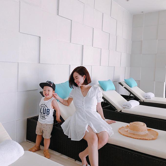 Ly Kute cho con trai đi chơi Sài Gòn - 4