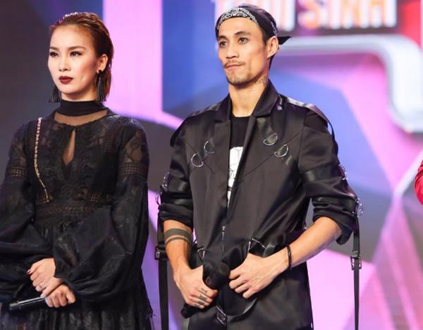 Phạm Lịch và huấn luyện viên Phạm Anh Khoa trên sân khấu của chương trình Trời sinh một cặp.