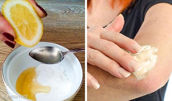 Chanh và mật ong Mật ong hoạt động như chất dưỡng ẩm tự nhiên, kết hợp với chanh, tạo thành hỗn hơp dưỡng trắng da rất hiệu quả. Trộn 2 thìa mật ong với nước cốt nửa quả chanh và 1 thìa baking soda. Thoa hỗn hợp lên khuỷu tay/đầu gối, để khoảng 20 phút rồi rửa lại với nước sạch.