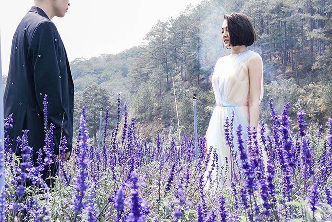 Bảo Anh và chàng trai giấu mặt trong vai tình cũ của cô trong MV.