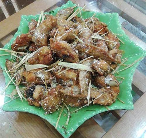 Món gà rang muối (sử dụng bột giả muối ở trên).Ảnh: FB Chulinhchi Ngongo