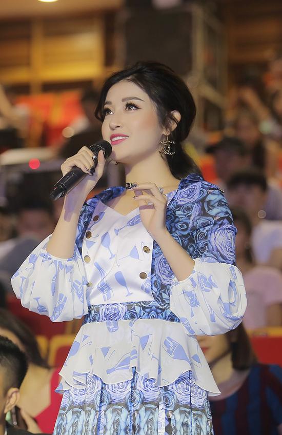 Huyền My làm giám khảo sau khi lọt top Hoa hậu đẹp nhất thế giới 2017 - 3