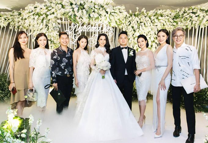 Cường Đô La sánh đôi bạn gái mới dự tiệc cưới của Diệp Lâm Anh
