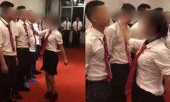 Sếp nữ bắt các nam nhân viên xếp hàng ăn tát vì làm việc kém