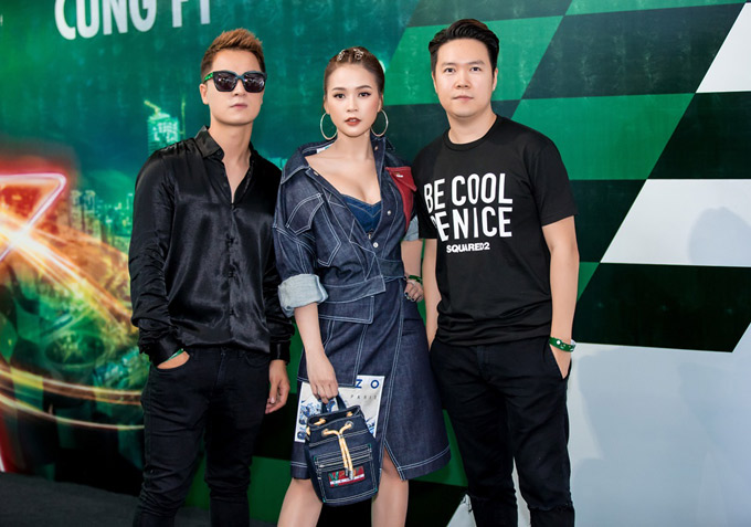 Ca sĩ Lê Hiếu, Đăng Khôi cũng dự event này.