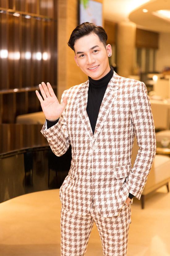 Ca sĩ Ali Hoàng Dương là một trong những ca sĩ trình diễn trong chương trình.