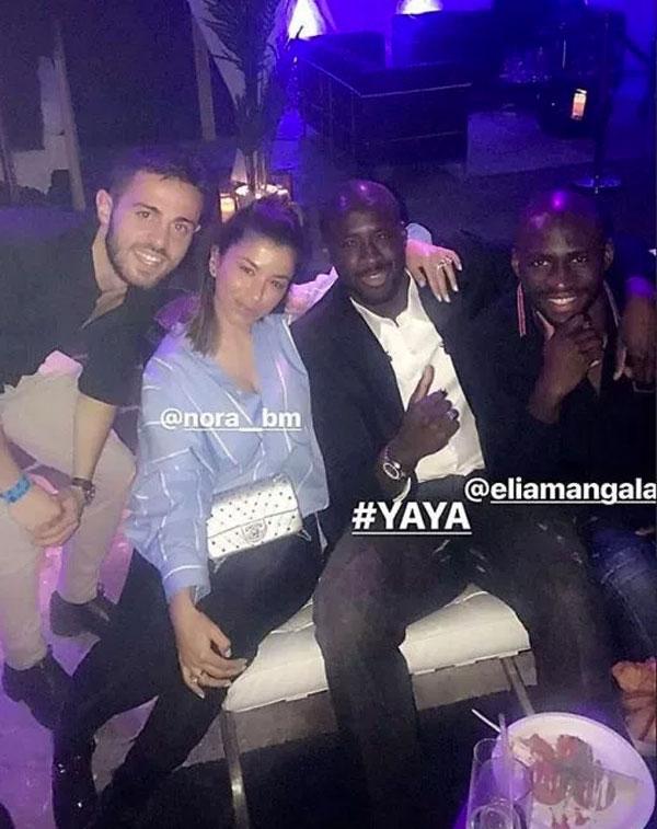 Yaya Toure (thứ hai từ phải sang) rời đội bóng sau khi mùa giải năm nay kết thúc.