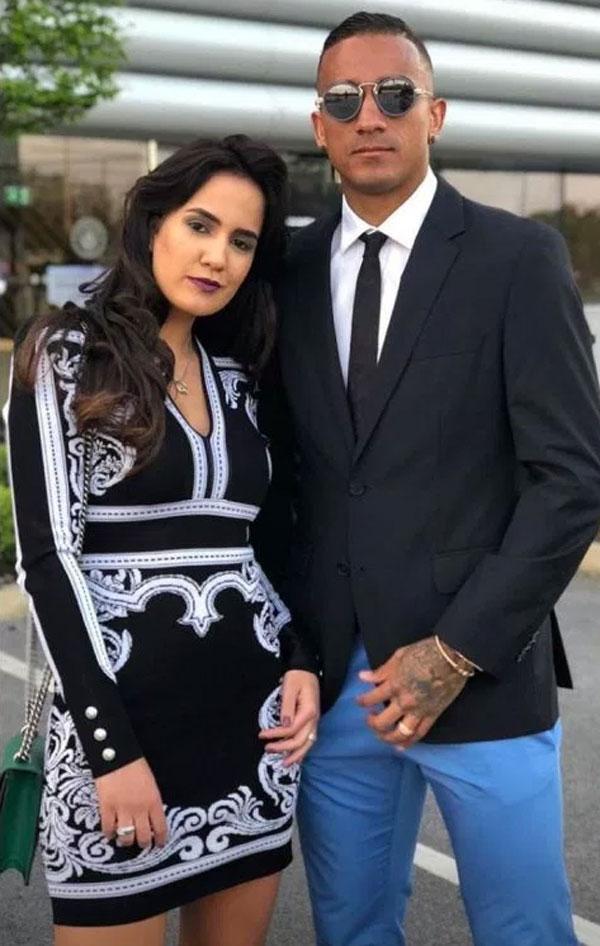 Hậu vệ Danilo và vợ Clarice diện đồ tớibữa tiệc.