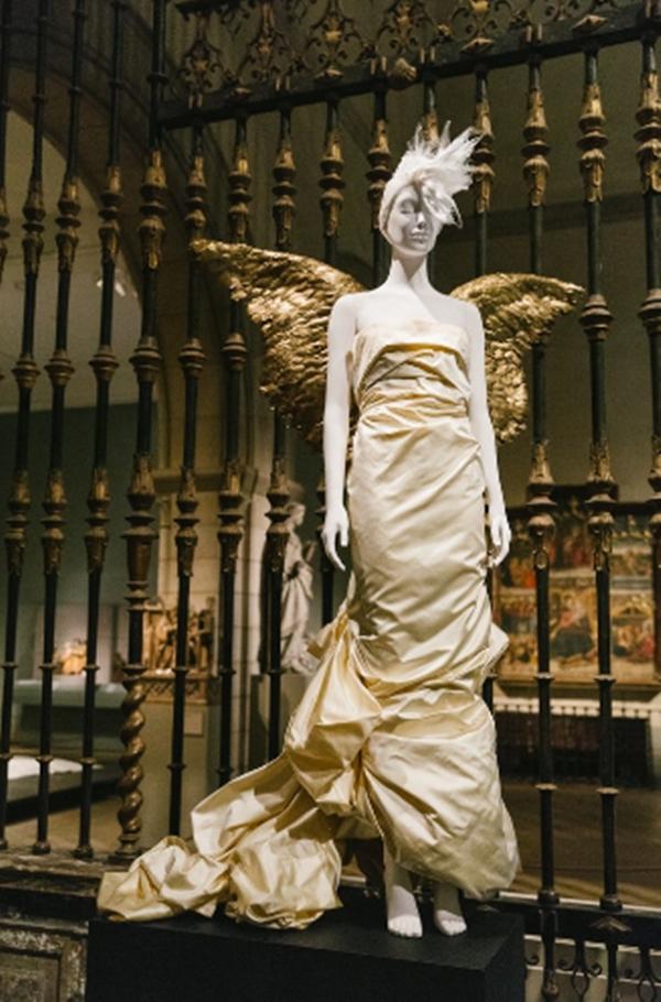 Bảo tàng Nghệ thuật Metropolitan owwr New York (Mỹ) là địađiểm tổ chức thường niên của Met Gala,sự kiện thời trang uy tín nhất trong năm,nhằm tôn vinh những nhà thiết kế gạo cội như Rei Kawakubo, Alexander McQueen...