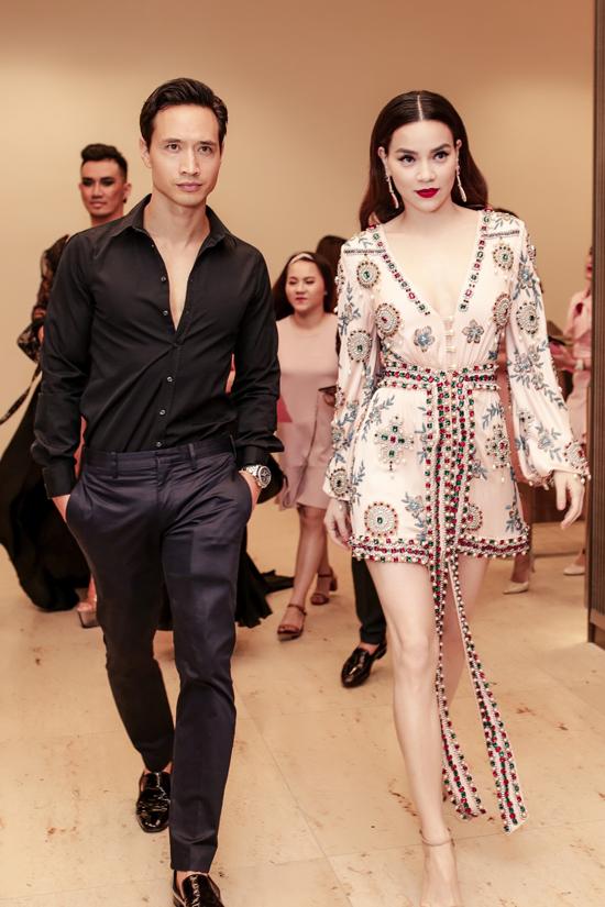 Sau khi công khai mối quan hệ tình cảm, Hồ Ngọc Hà và Kim Lý thường xuyên xuất hiện trong các sự kiện như hình với bóng.