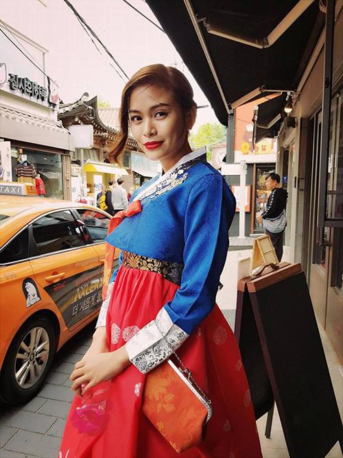 Mâu Thuỷ diện hanbok, hoá thân thành cô nàng tiểu thư xứ kim chi.