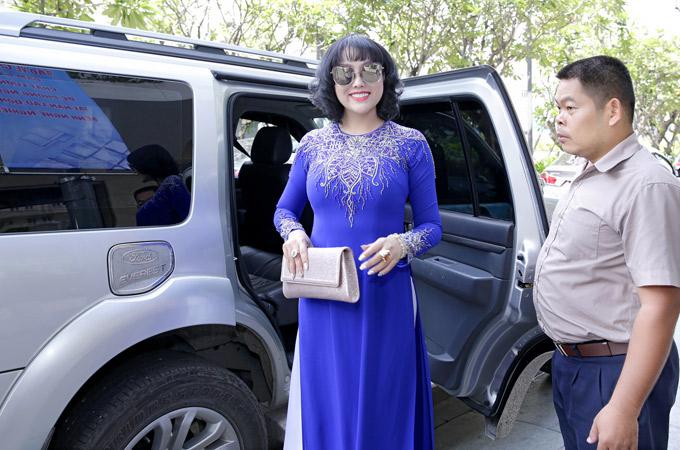 Người đẹp liên tục tham dự các hội thảo, sự kiện dành cho doanh nhân.