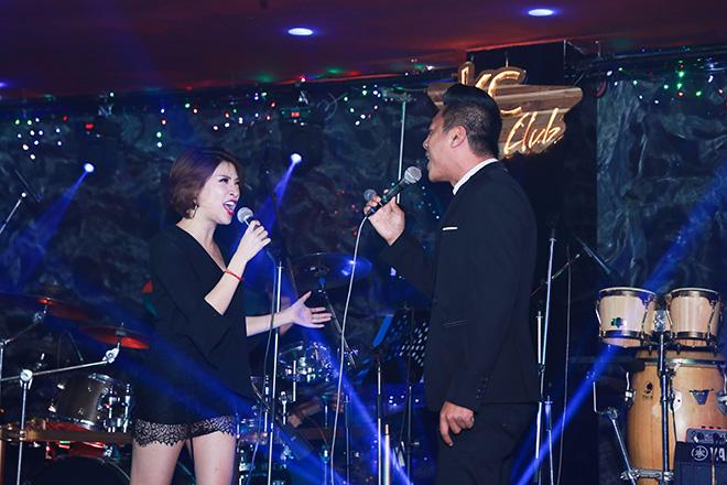 Pha Lê còn hát cùng Đình Nguyên và một số ca sĩ khách mời khác trong đêm nhạc.