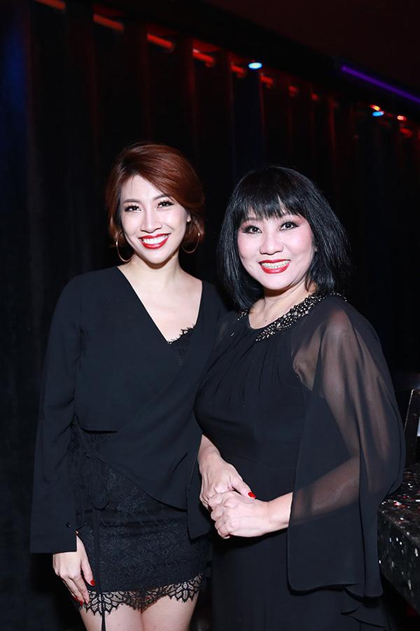 Ca sĩ Cẩm Vân rất yêu quý Pha Lê.