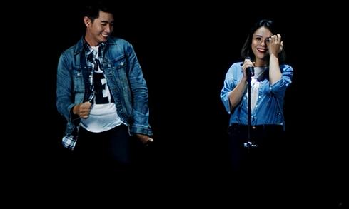 Quang Đăng khỏe khoắn với trang phục jeans