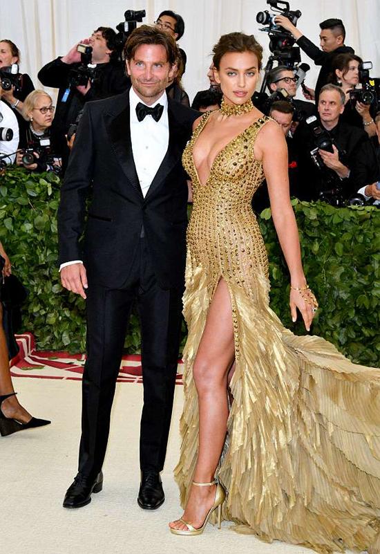 Cặp đôi tỏa sáng giữa rừng sao Hollywood.