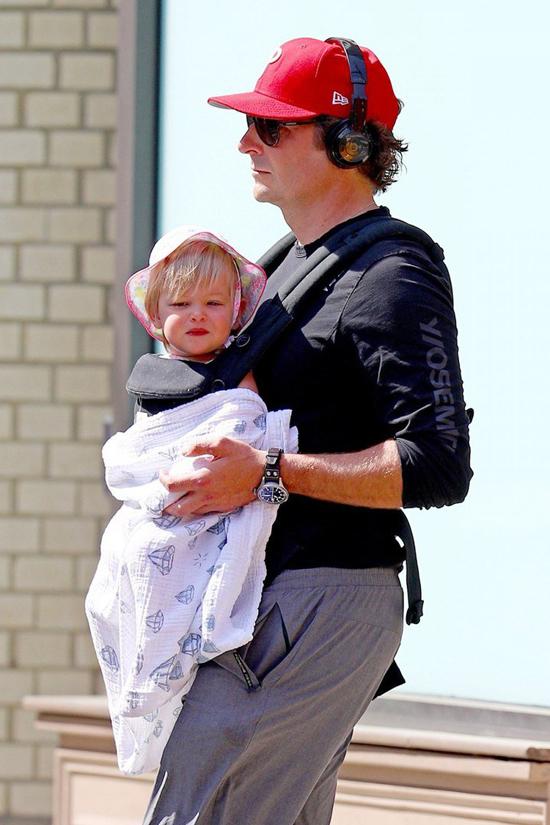 Con gái của Bradley và Irina Shayk vừa tròn một tuổi hồi tháng 3. Gia đình Bradley hiện định cư ở Malibu, California.