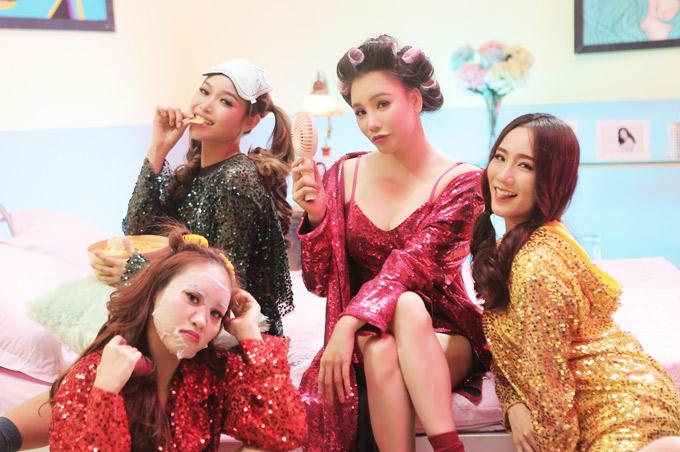 Hồ Quỳnh Hương tự tin khoe vẻ sexy ở tuổi 37 bên dàn vũ công trẻ.