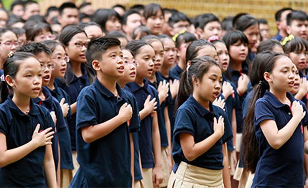Nhiều học sinh tiểu học và THCS trường Marie Curie (Hà Nội) bị dị ứng thuốc phun muỗi tại trường. Ảnh:Marie Curie.