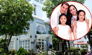 Biệt thự nửa triệu đô của vợ chồng Thúy Hạnh ở TP HCM