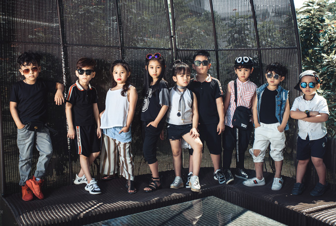 Ngoài thời gian đi học, thỉnh thoảng con gái Minh Tiệp được bố mẹ cho làm mẫu ảnh, đi diễn các show thời trang trẻ em.