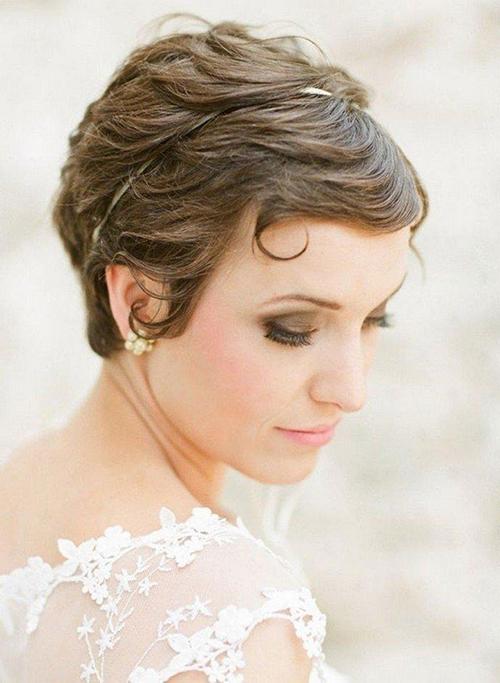 5 phụ kiện xinh lung linh cho nàng dâu tóc ngắn - 2