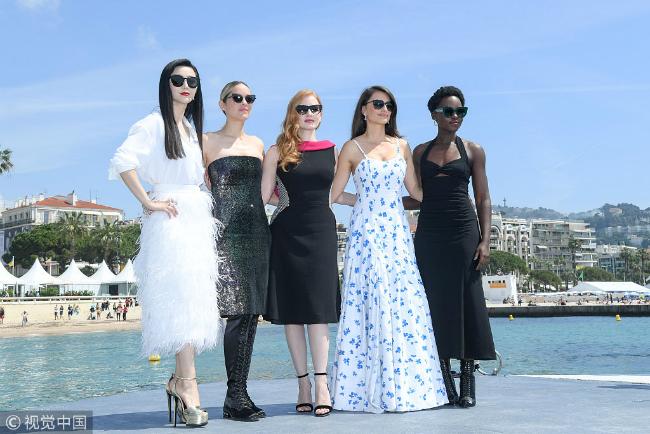 Ngôi sao Hoa ngữ sánh vai các đồng nghiệp Phạm Băng Băng, Marion Cottilard, Jessica Chastain, Penelope Cruz cùng Lupita Nyongo dự họp báo ra mắt phim điệp viên 355