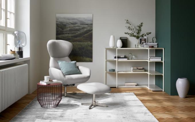 Một góc không gian nhã nhặn và dịu mắt khác với những món đồ nội thất từ BoConcept.