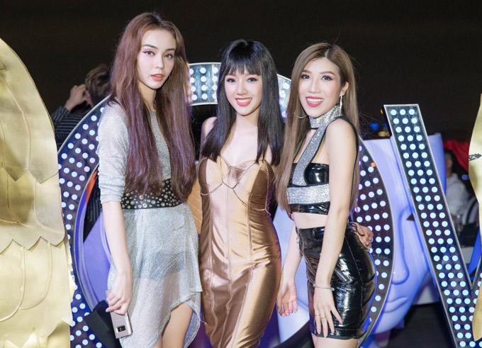 Ca sĩ MLee và Trang Pháp tới chung vui với cô bạn thân Băng Di.