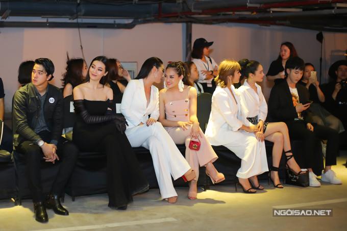 Nhã Phương né Khánh My khi chạm mặt ở show thời trang - 6