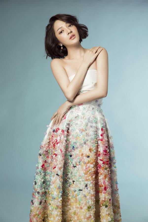 Photo: Lê Thiện Viễn Stylist: Lê Minh Ngọc Make up: Nguyễn Háo Mộng Hùng Hair: Trương Minh Hùng
