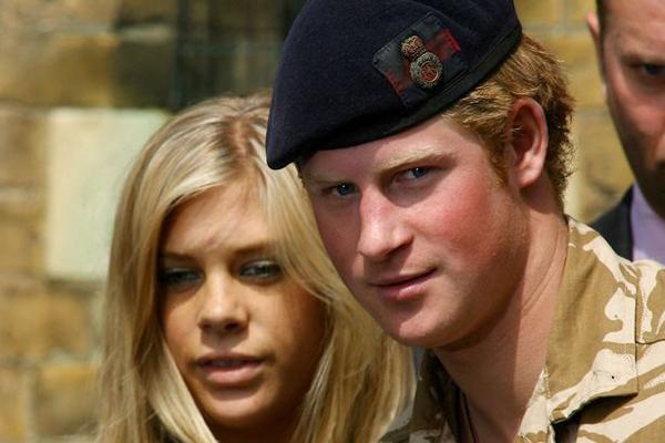 Bạn gáilâu năm nhất (từ 2004 đến 2010) của Hoàng tử xứ Wales trước khi kết hôn, Chelsy Davy.