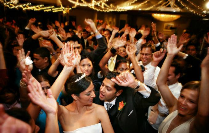 6 thứ các chuyên gia khuyên bạn không nên tự làm cho đám cưới - 5