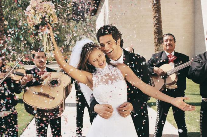 6 thứ các chuyên gia khuyên bạn không nên tự làm cho đám cưới - 1