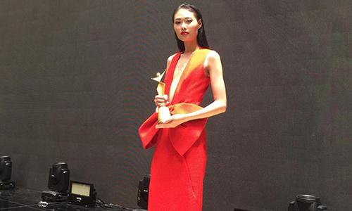 Mai Giang bất ngờ đoạt cúp Người mẫu châu Á