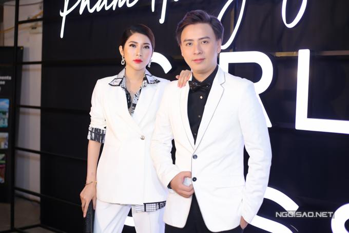 Nhà thiết kế Văn Thành Công và người đẹp Yan Mi.