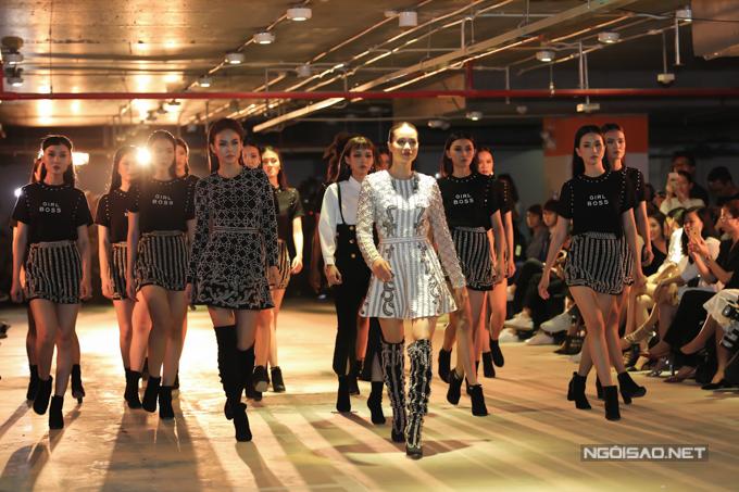 Sau một thời gian triển khai dự án thời trang cùng một thương hiệu trong nước, Phạm Hương đã có buổi ra mắt bộ sưu tập mới.