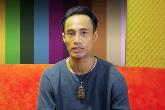 Ca sĩ Phạm Anh Khoa trong cuộc đối thoại về scandal gạ tình.
