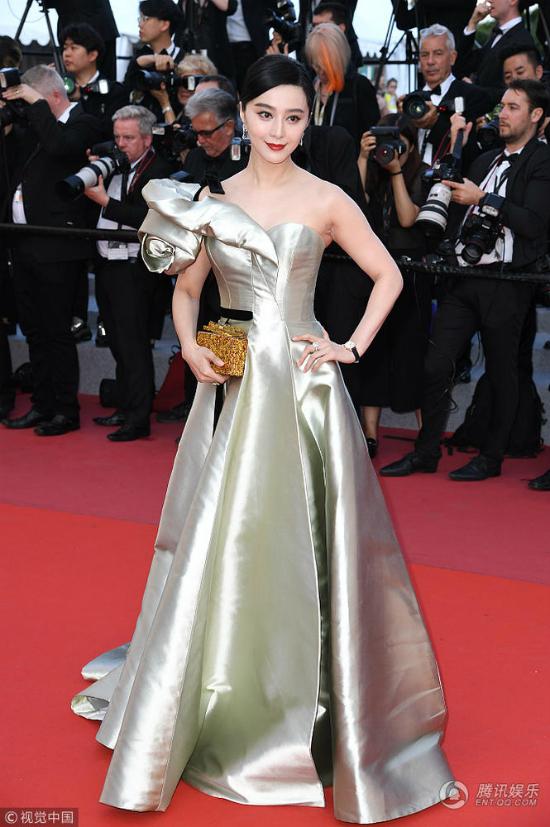 Phạm Băng Băng hóa đóa hồng nhung kiêu sa trong ngày thứ 4ở Cannes - 5