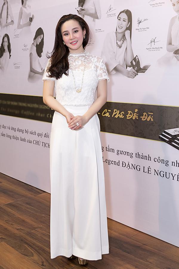 Hoa hậu Đàm Lưu Ly, Vy Oanh đi nói chuyện với sinh viên - 8
