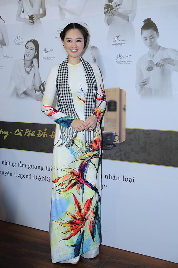 Hoa hậu Đàm Lưu Ly, Vy Oanh đi nói chuyện với sinh viên - 4