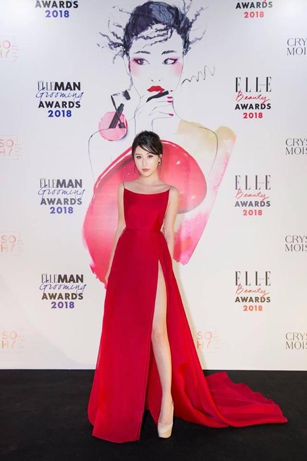 Bích Phương diện bộ váy bị đụng hàng kỷ lục trong MV mới - 3