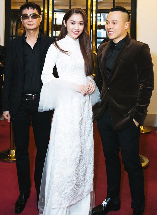 Đạo diễn Lê Hoàng có dịp gặp lại diễn viên Quỳnh Hương từng đóng phim Sói trắng của anh.