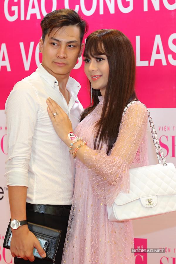 Lâm Khánh Chi tiết lộ, ông xã luôn yêu thương, chiều chuộng cô nên cả hai ít khi xảy ra cãi vã.