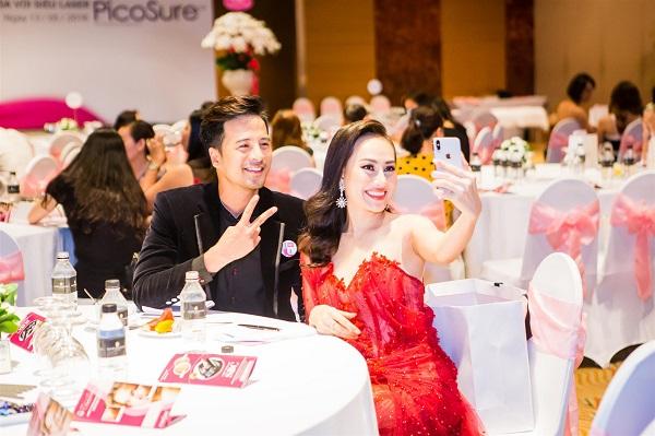 Nam vương quốc tế - diễn viên Đoàn Thành Tài, Á hậu Việt Nam toàn cầu 2013 Phạm Kim Duyên.