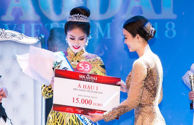 Phí Thùy Linh vượt mặt vợ cũ Phan Thanh Bình, đoạt vương miện Mrs Áo dài 2018 - 6