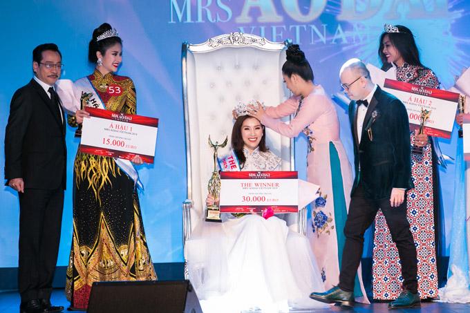 Phí Thùy Linh vượt mặt vợ cũ Phan Thanh Bình, đoạt vương miện Mrs Áo dài 2018 - 8