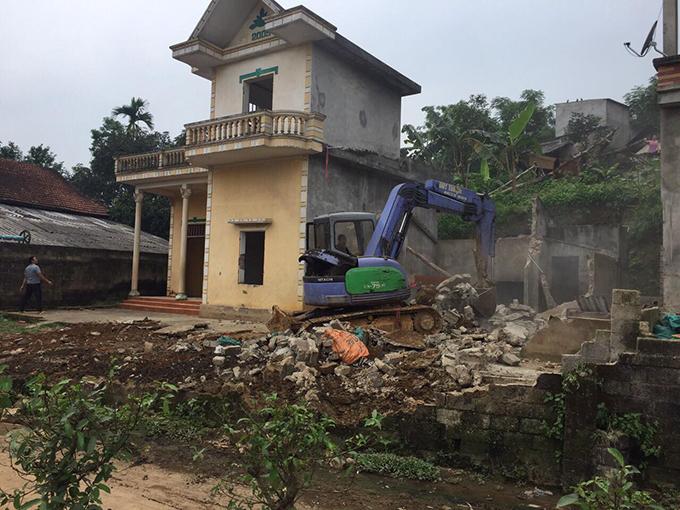 Ngôi nhà cũ của gia đình Đức Chinh ở Phú Thọđược phá bỏ để xây nhà mới. Ảnh: Kiều Trinh.