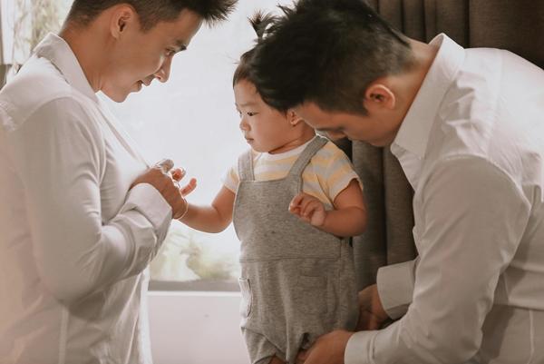 Ngọc Việt thú nhận anh chưa biết cách giải thích cho con vì sao bé có tới hai người cha, nhưng tin tình yêu th